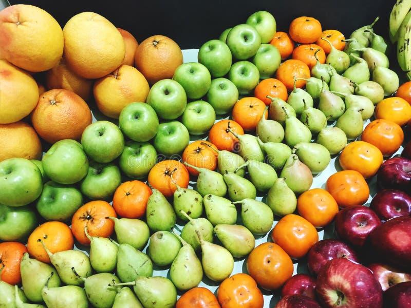 Fondo mezclado fresco con las frutas altas en antioxidantes, vitamina C del superfood de la fruta imágenes de archivo libres de regalías