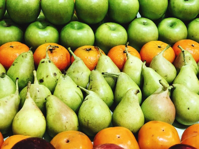Fondo mezclado fresco con las frutas altas en antioxidantes, vitamina C del superfood de la fruta imagen de archivo libre de regalías