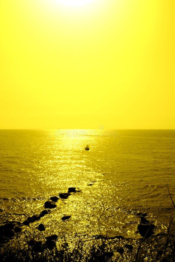 Fondo minimalista di estate, Unione Sovietica brillante monocromatica gialla fotografie stock