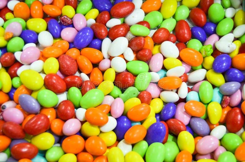 Fondo multicolor del caramelo de la gota de la gragea foto de archivo
