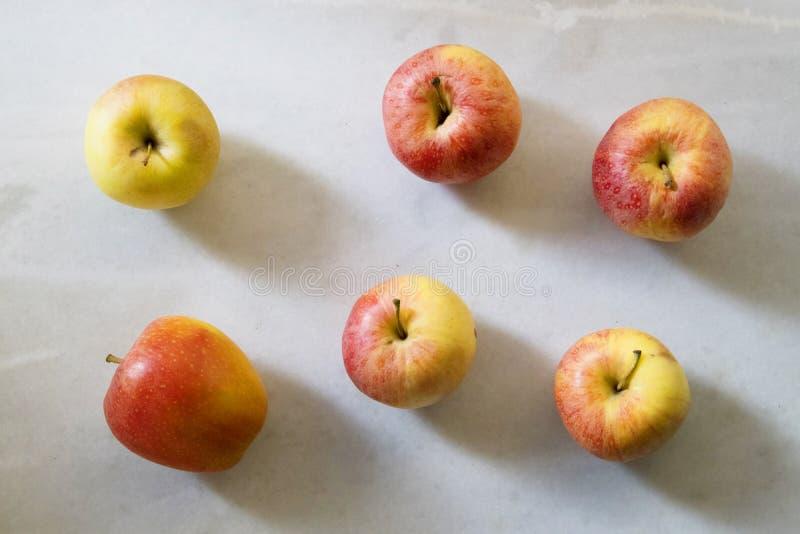 Fondo natural de las manzanas imagen de archivo libre de regalías