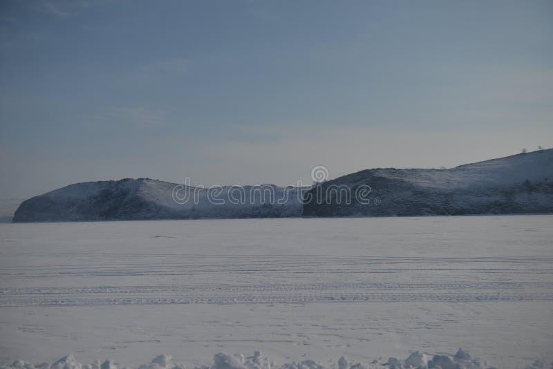 Fondo naturale del paesaggio di stagione invernale di Baikal Russia fotografia stock libera da diritti