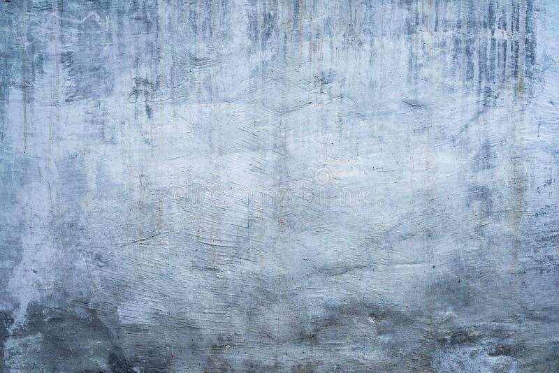 Fondo oscuro pintado blanco sucio de la textura del muro de cemento fotos de archivo libres de regalías
