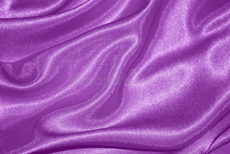 Fondo púrpura: Seda de las tarjetas del día de San Valentín - fotos comunes fotos de archivo libres de regalías