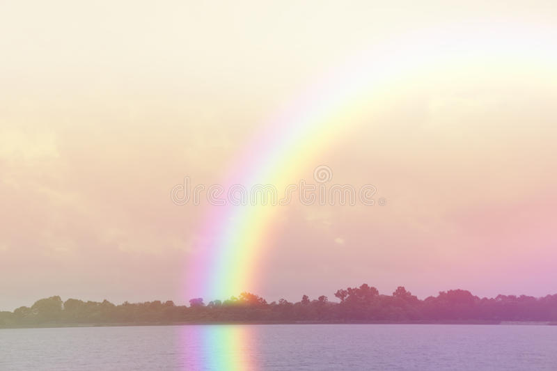 Fondo pacífico del paisaje del arco iris imagen de archivo libre de regalías