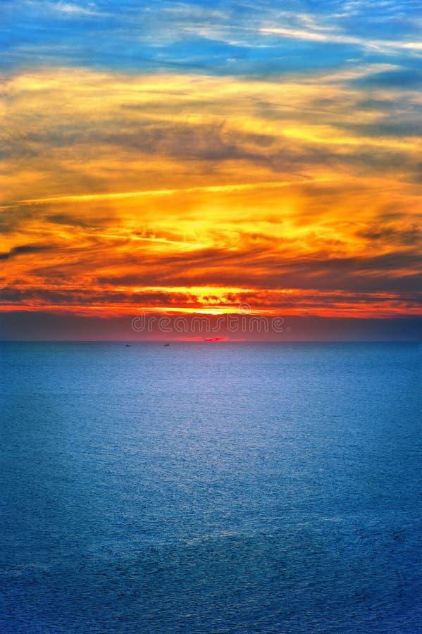 Fondo paesaggio del cielo e del mare di tramonto di bello immagine stock libera da diritti