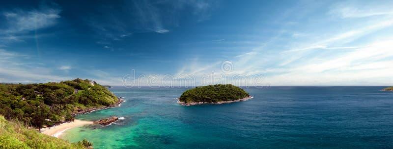 Fondo panorámico de la costa de Phuket en Tailandia imágenes de archivo libres de regalías
