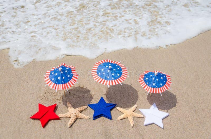 Fondo patriótico de los E.E.U.U. con las estrellas de mar imagenes de archivo