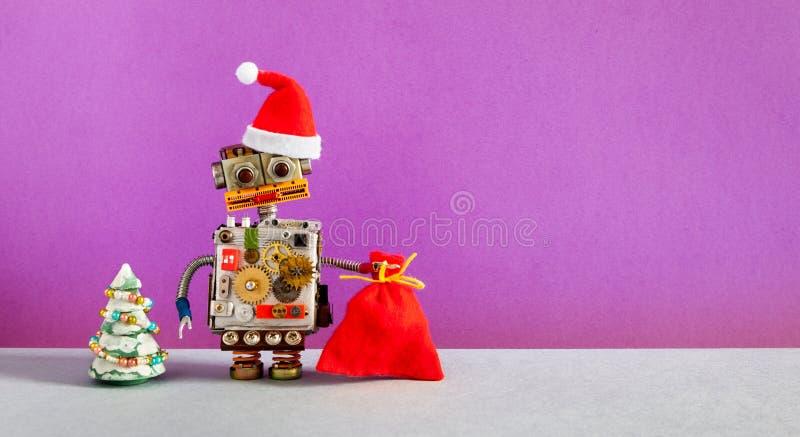 Fondo robótico del cartel de la invitación del año de Santa Claus Christmas New Robot divertido vestido en el sombrero rojo de Pa imágenes de archivo libres de regalías