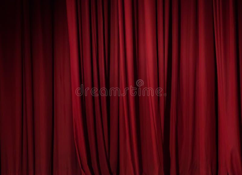 Fondo rojo de la cortina del teatro imagen de archivo libre de regalías