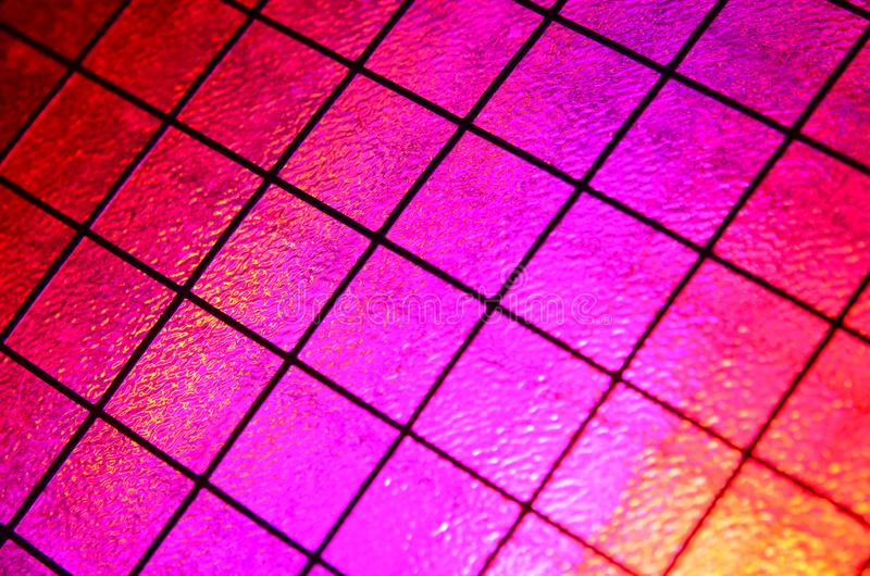 Fondo rojo y rosado de la rejilla fotos de archivo libres de regalías