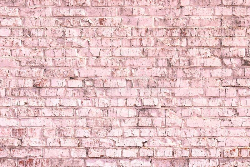 Fondo rosado abstracto saturado brillante de la pared de ladrillo vieja foto de archivo libre de regalías