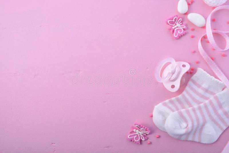 Fondo rosado del cuarto de niños de la fiesta de bienvenida al bebé imagen de archivo