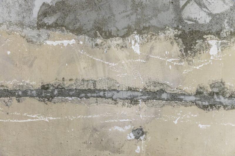 Fondo sbucciato approssimativo del muro di cemento immagine stock