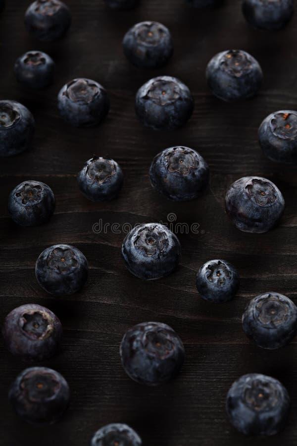 Fondo scuro della bacca del primo piano del mirtillo immagine stock