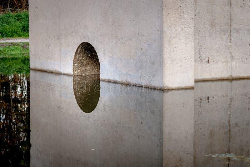 Fondo, sombras y líneas geométricos abstractos de MES concreto imagenes de archivo