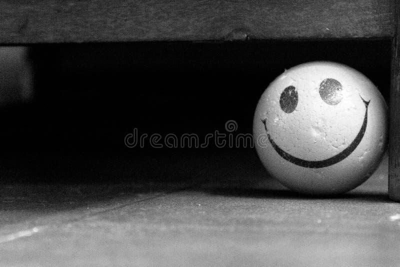 Fondo sonriente de la bola de la cara imágenes de archivo libres de regalías