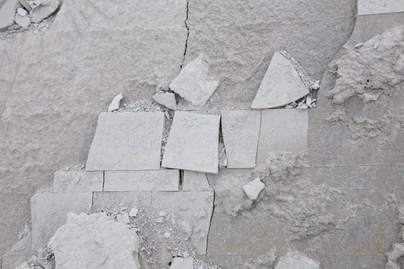 Fondo strutturato dell'ardesia incrinata in tonalità di grey fotografia stock