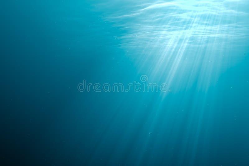 Fondo submarino Rayos ligeros debajo del agua 3D rindió la ilustración stock de ilustración