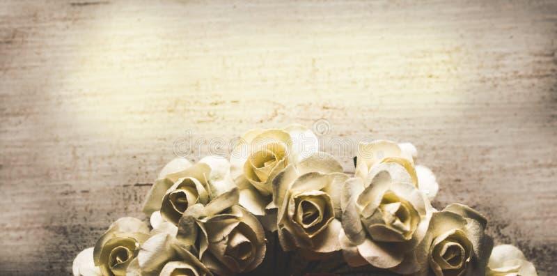 Fondo sucio floral de la rosa elegante lamentable de la vendimia fotos de archivo