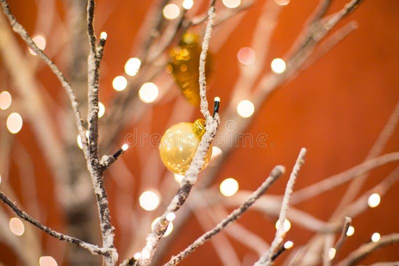 Fondo unfocused astratto con le decorazioni di Natale immagine stock