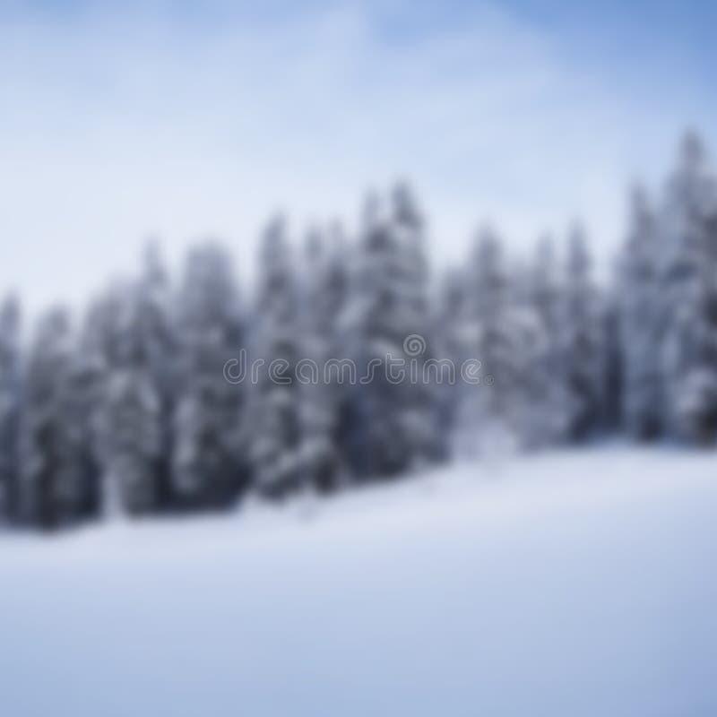 Fondo vago realistico della montagna di inverno fotografia stock libera da diritti