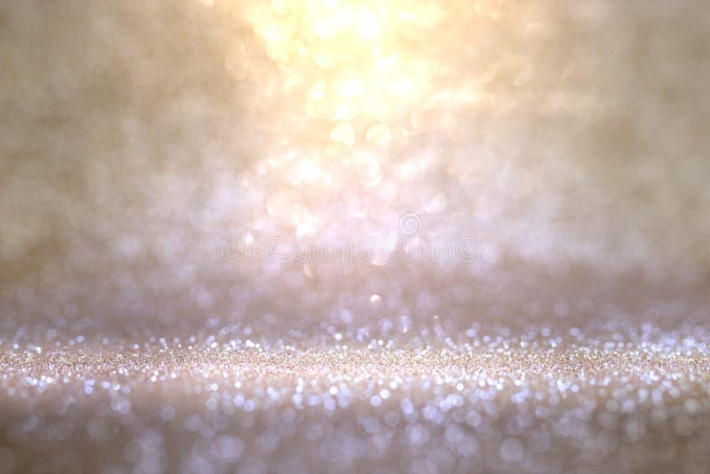 Fondo violeta del oro abstracto con el bokeh que brilla fotos de archivo libres de regalías