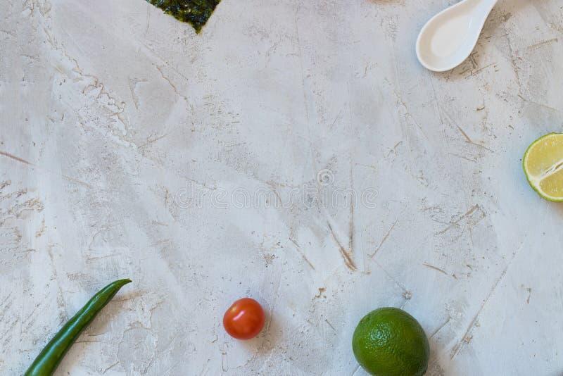 Fondo vuoto con gli ingredienti per cucina chineese fotografia stock libera da diritti
