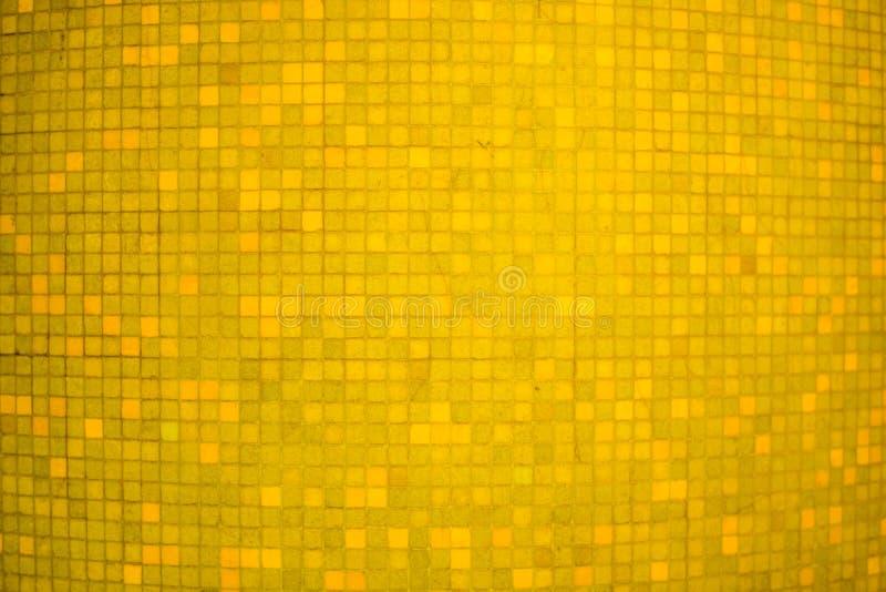 Fondo y textura de cerámica de la pared del mosaico del color amarillo foto de archivo libre de regalías