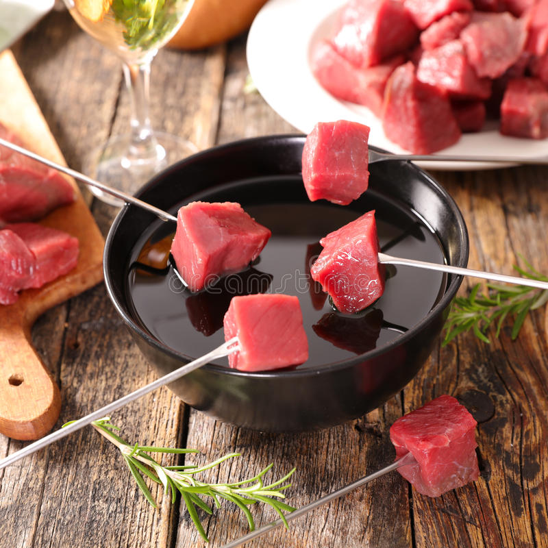 Fondue βόειου κρέατος στοκ φωτογραφίες με δικαίωμα ελεύθερης χρήσης