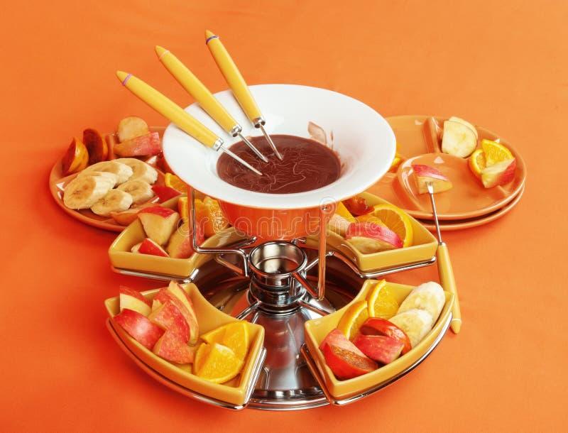 Fondue σοκολάτας με τα φρούτα στοκ φωτογραφίες με δικαίωμα ελεύθερης χρήσης