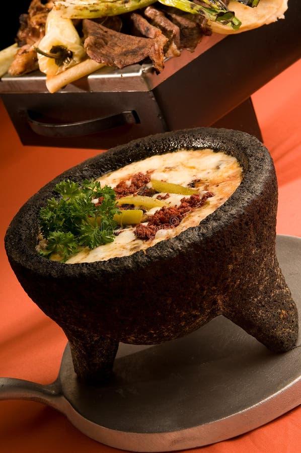 'fondue' de queso mexicana imagen de archivo libre de regalías