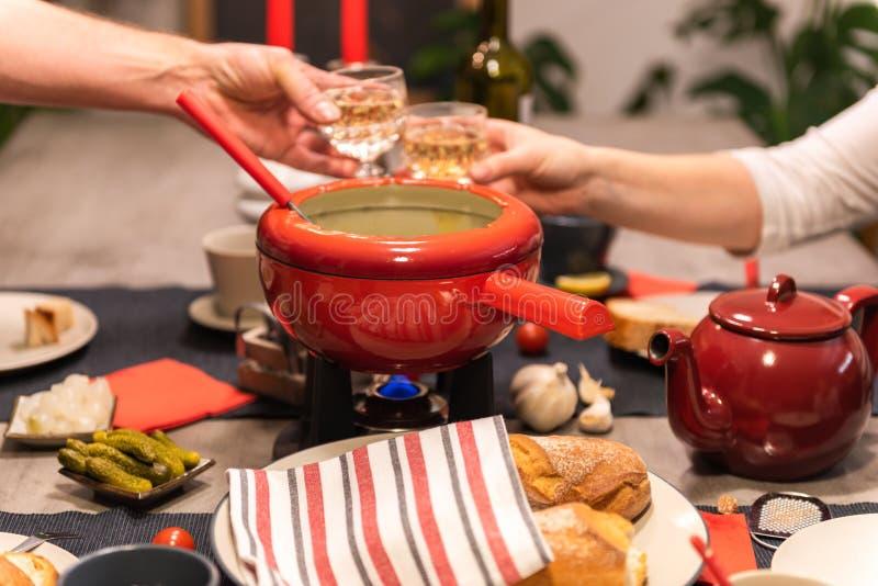 'fondue' de queso suizo imagen de archivo libre de regalías