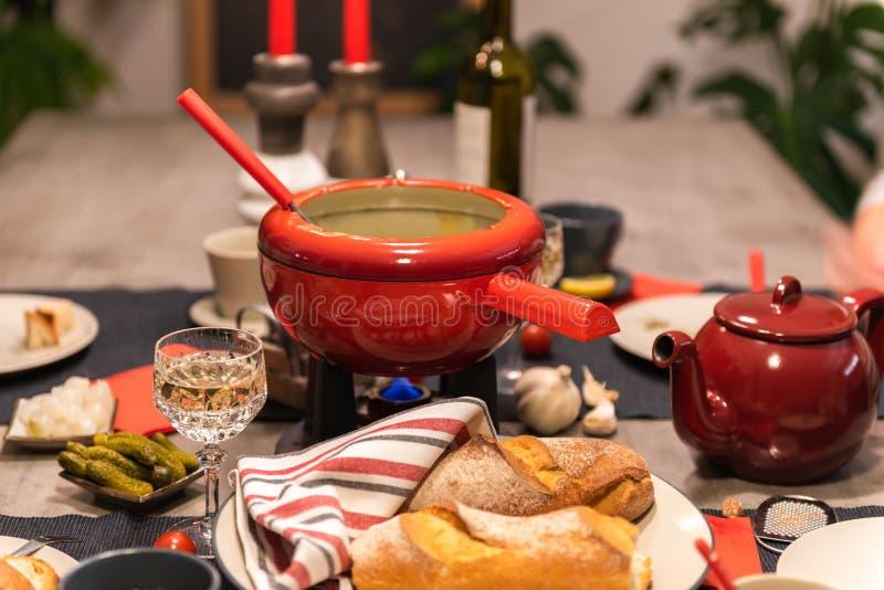 'fondue' de queso suizo fotos de archivo libres de regalías