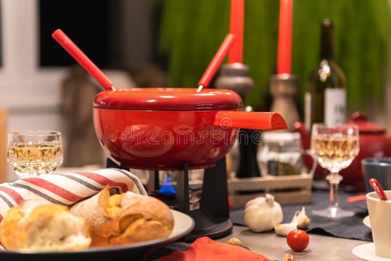 'fondue' de queso suizo foto de archivo