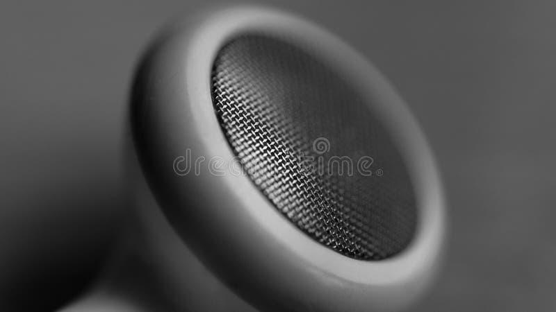 Fone de ouvido macro preto e branco fotos de stock royalty free