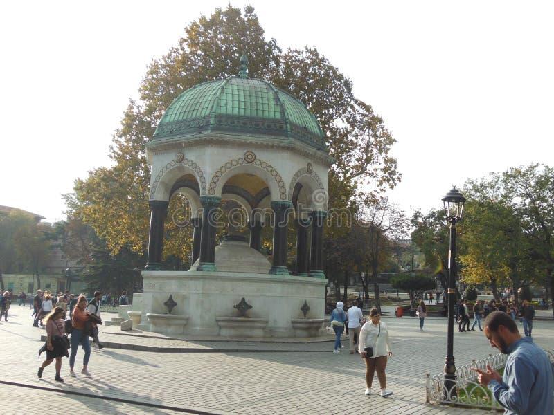 Fontaine allemande sur la place de Sultanahmet à Istanbul image stock