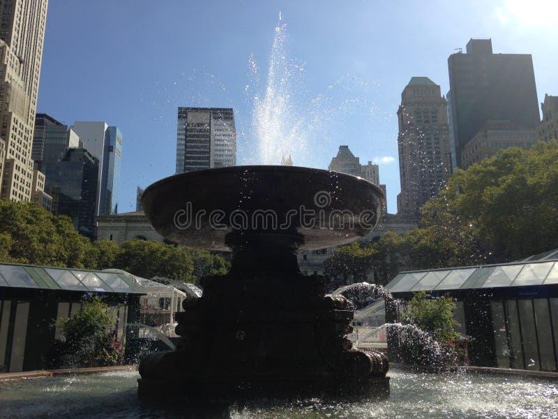 Fontaine chez Bryant Park, New York images libres de droits