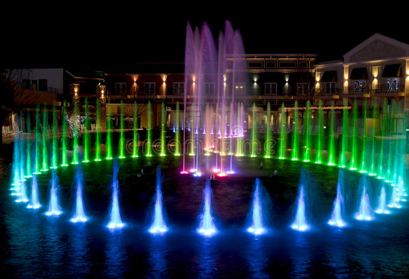 Fontaine d'eau dans Pigeon Forge, Tennessee images stock