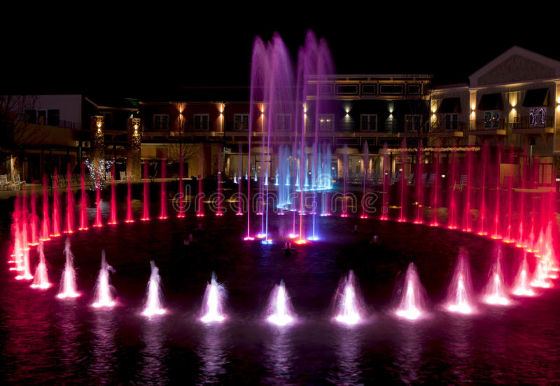 Fontaine d'eau dans Pigeon Forge, Tennessee image stock