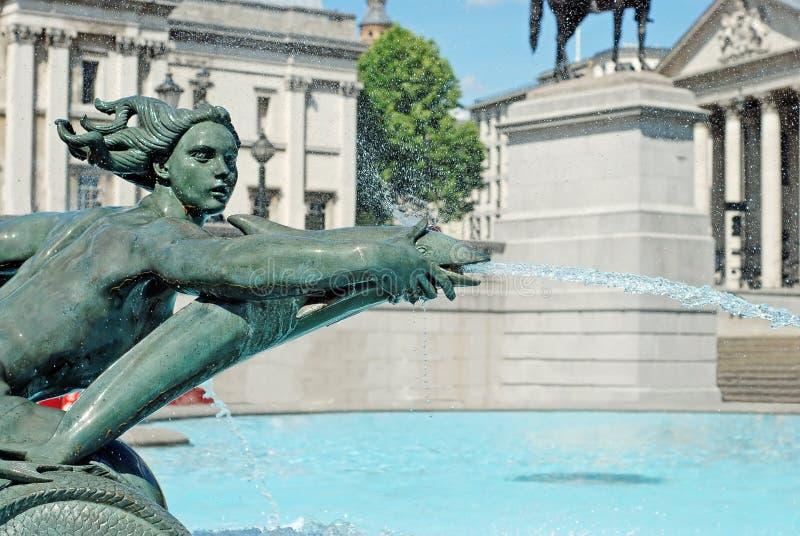 Fontaine d'eau Londres carrée trafalgar photographie stock libre de droits