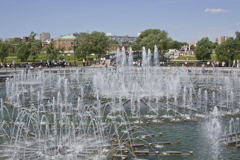 Fontaine dans Tsaritsino photos libres de droits