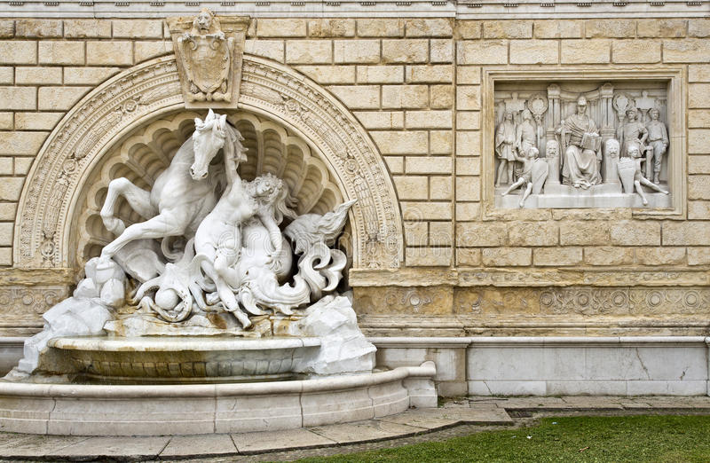 Fontaine de Bologna de Pincio photo libre de droits
