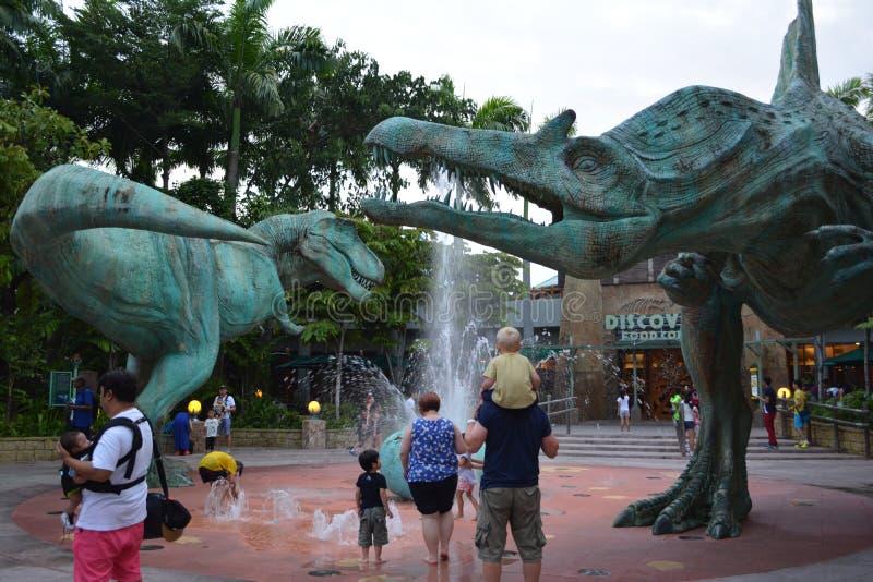 Fontaine de dinosaure images libres de droits