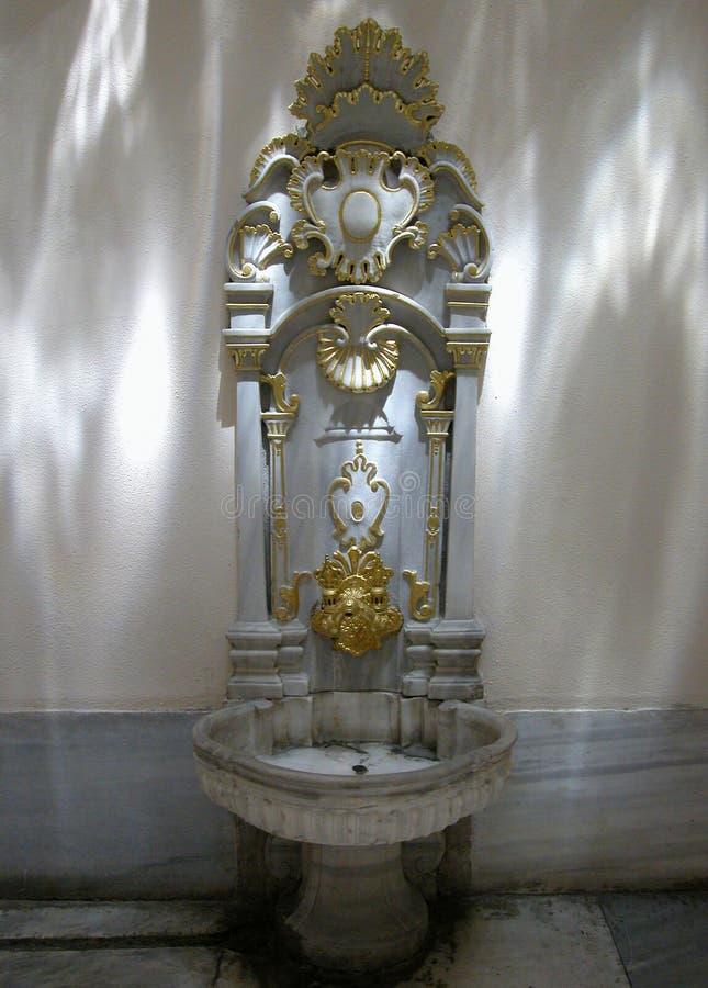 Fontaine de harem, palais de Topkapi, Turquie images libres de droits