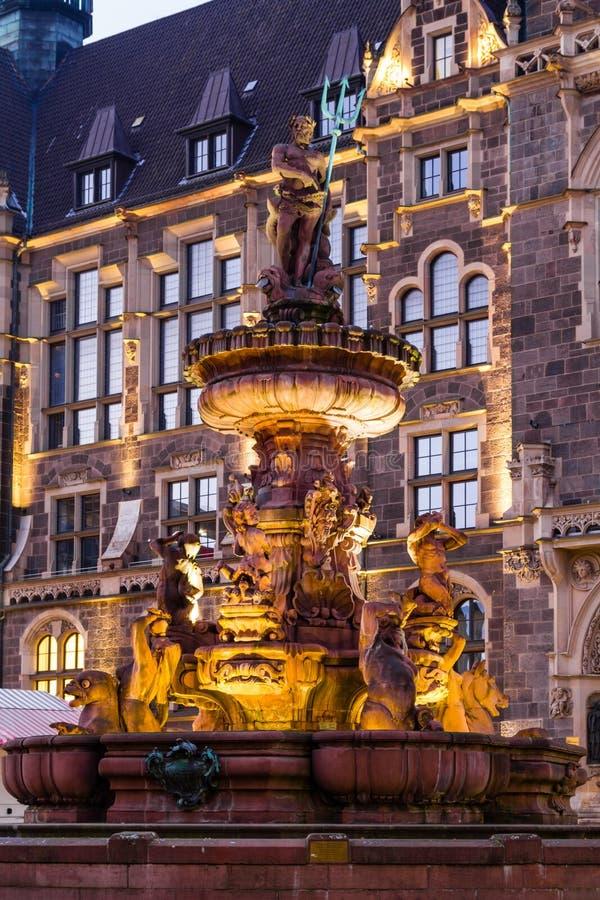 Fontaine de jubil devant l 39 h tel de ville wuppertal for Hotel wuppertal elberfeld