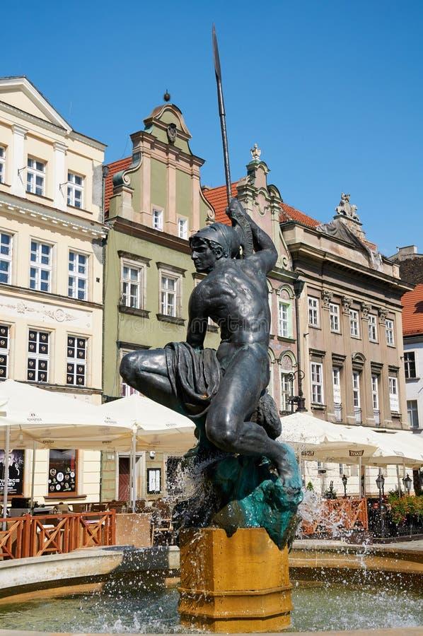 Fontaine De Mars, Vieille Place Du Marché Poznan Photographie ...