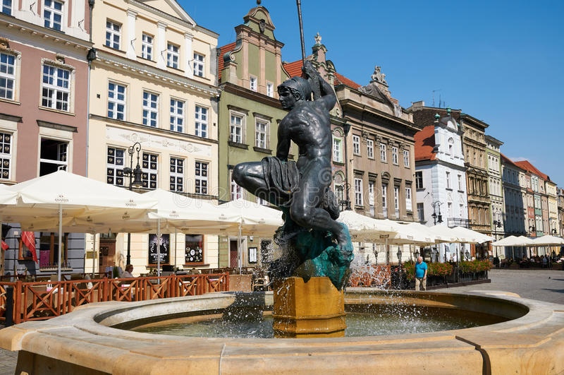 Fontaine De Mars, Vieille Place Du Marché Poznan Photo éditorial ...