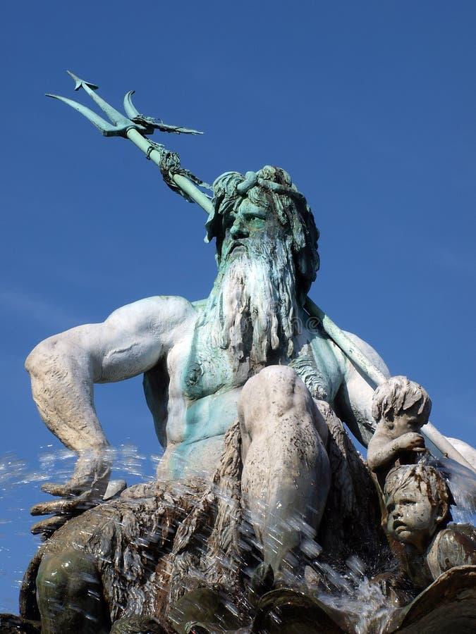 Fontaine de Neptune à Berlin photo stock