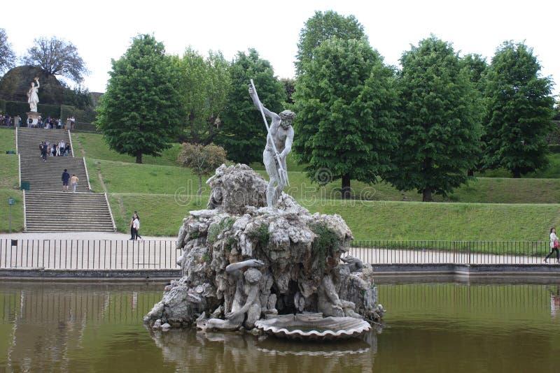 Fontaine de Neptune au centre des jardins de Boboli Le sculpteur, Stoldo Lorenzi Florence images libres de droits